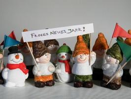 Zur Einstimmung: die lustigen Gesellen wünschen allen ein gutes Neues Jahr!